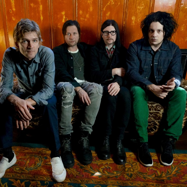 The Raconteurs omaggiano i Beatles
